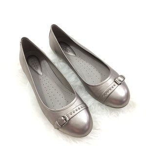 Ecco Pewter Silver Leather Ballet Flats 37/7